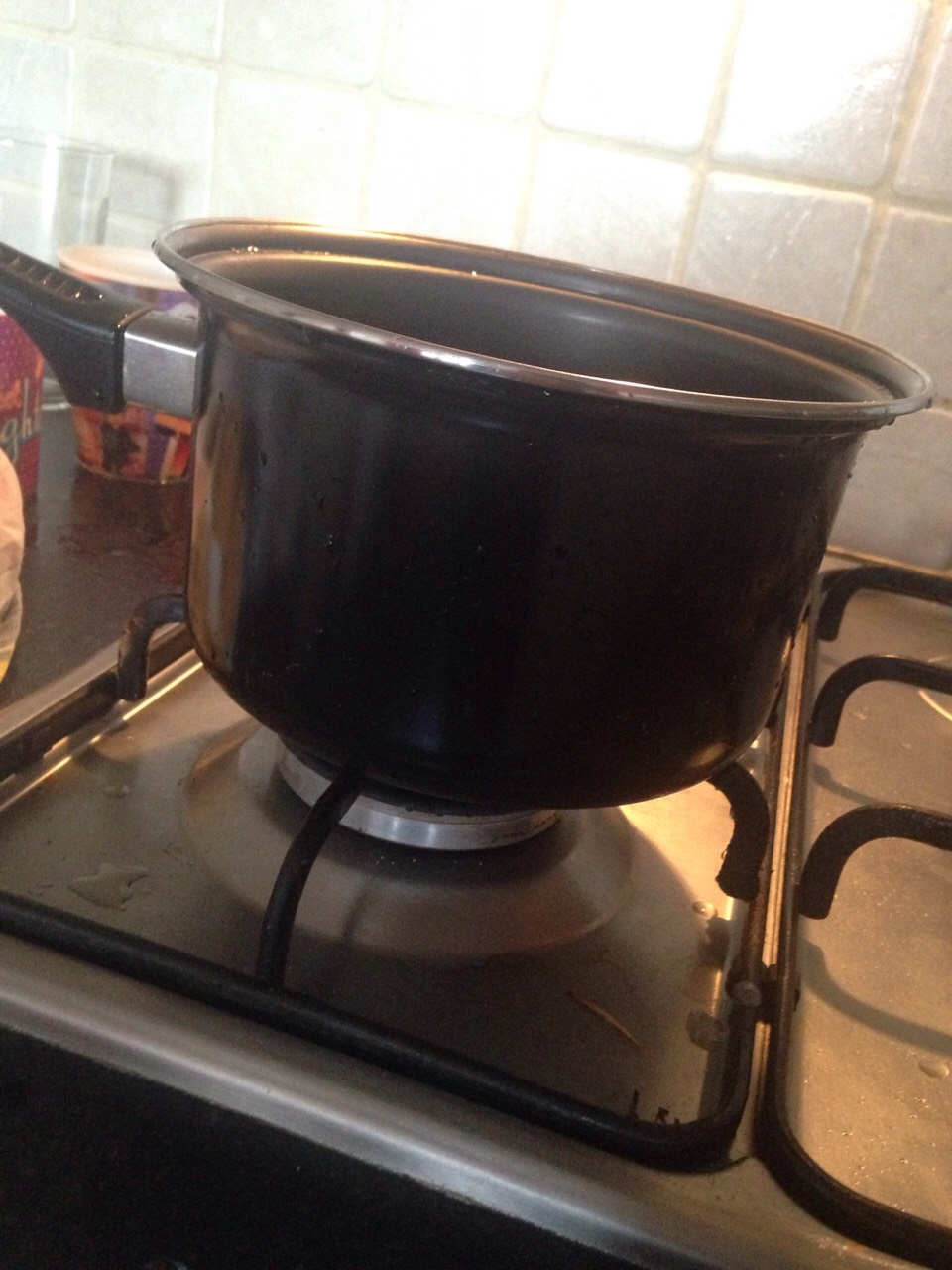 Put your pan on the biggest hob