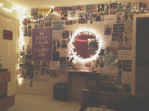 The first step to having a tumblr room is adding a personalised/creative touch to your room and adding all different posters onto your wall. They can be photos, posters whatever you like and you can spread them out however you like e.g a collage or a pattern.