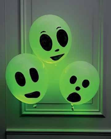 Glow stick ballon ghost