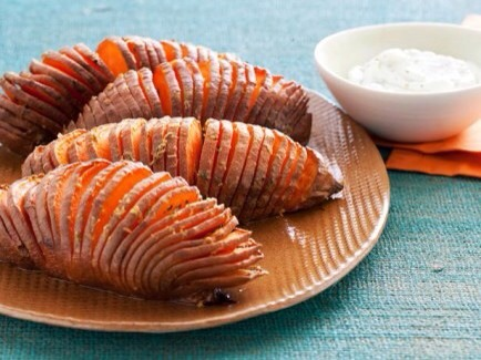 Sweet Potatoes  Sweet potatoes contain lutein and carotenoids, which are potent caner-fighters- roast your sweet potatoes for a delicious side.