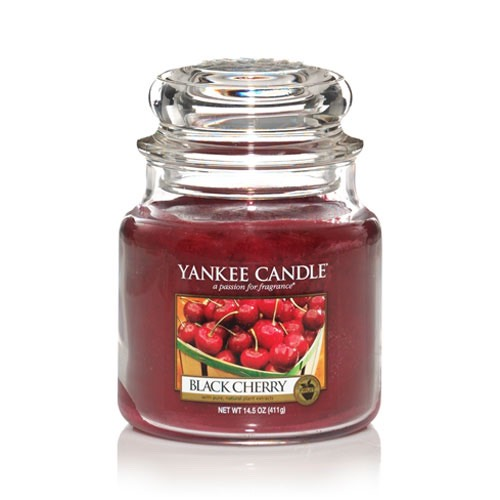 This candle smells amazing! It's the perfects autumn sent for your living room or bedroom!