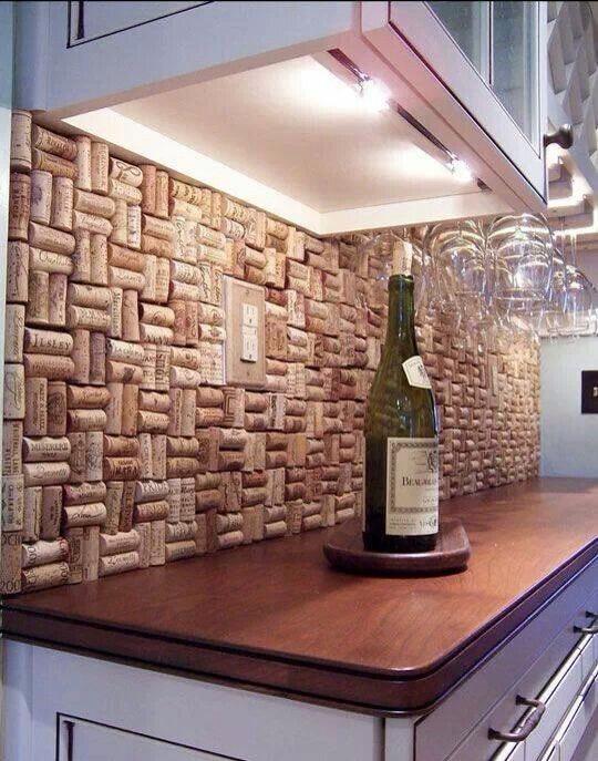 --> DIY Wine cork back splash.