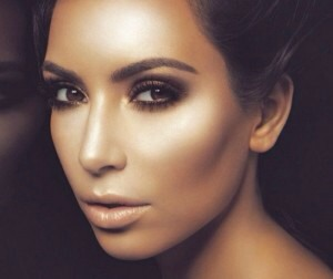 Apply for the natural mask for 10 minutes and your skin will become smooth face. This Kim Kardashian's face mask recipe is rich in vitamins such as Vitamin C and Vitamin E and minerals which works like wonders!