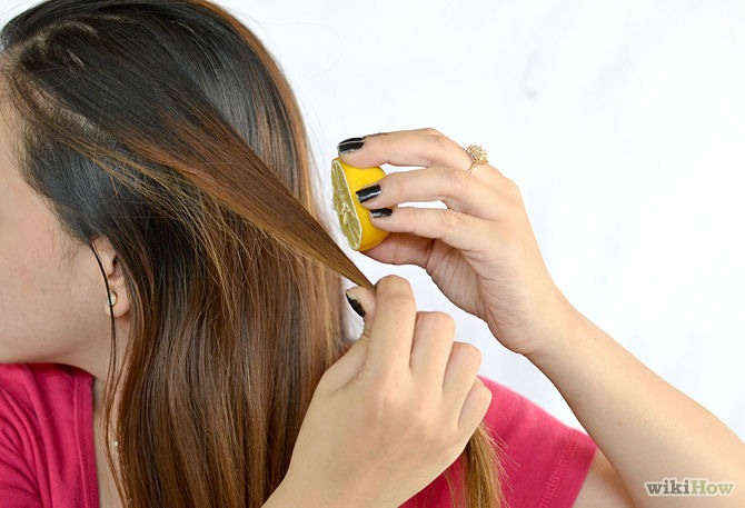2nd step: apply lemon juice to the part of your hair where you choose to lighten. 🍋