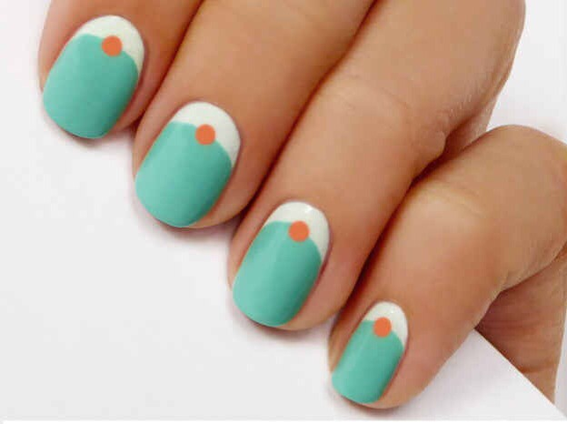 --> Reverse manicure with dots