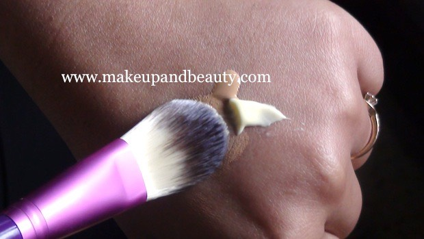 Mix concealer and your favorite light moisturizer to keep your face moisturized  all day. Don't forget your primer