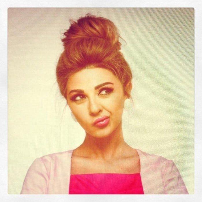 http://www.buzzfeed.com/peggy/22-astuces-coiffure-pour-filles-paresseuses#.gq6mYqOdm