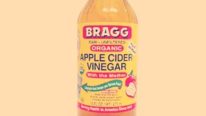 Add a cup of ACV to your bath and soak for 10 minutes.... Soothes sunburn discomfort. !