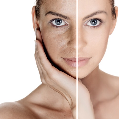 FOR AGING SKIN |If pores + lines are your main concern, a finishing powder can help to blur them. Just be careful to blend it properly for events where there will be photos, as the camera flash can bounce off it + accentuate the white colour – an unfortunate incidentthat happens to the best of us.