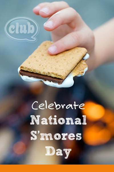 National S'mores Day- August 10th 🍫 (Let's all sit beside a fire place and melt marshmallows all day long😍)