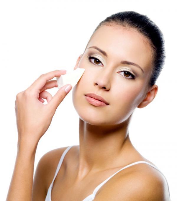 Natural Facial Remedies Using Aloe Vera