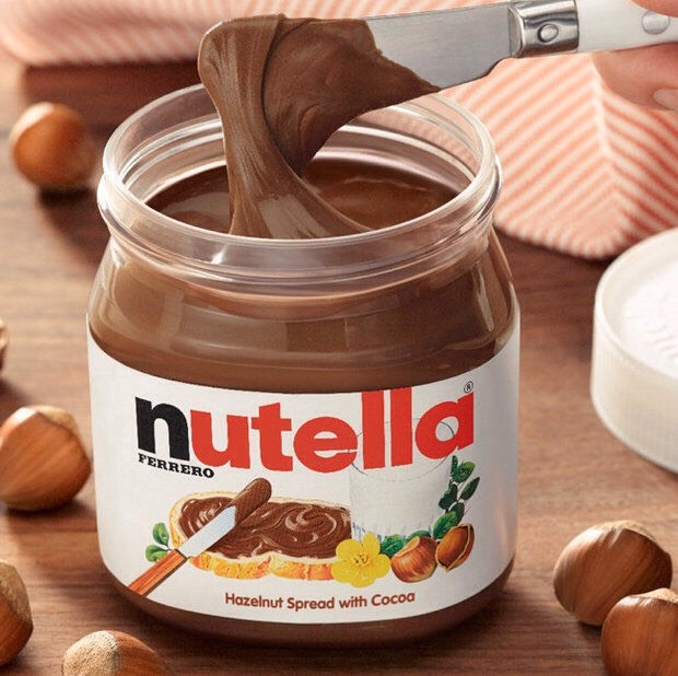 3 tablespoon of Nutella or any hazelnut spread