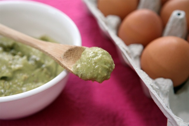 1 ripe avocado  1 egg white 1 tsp lemon juice