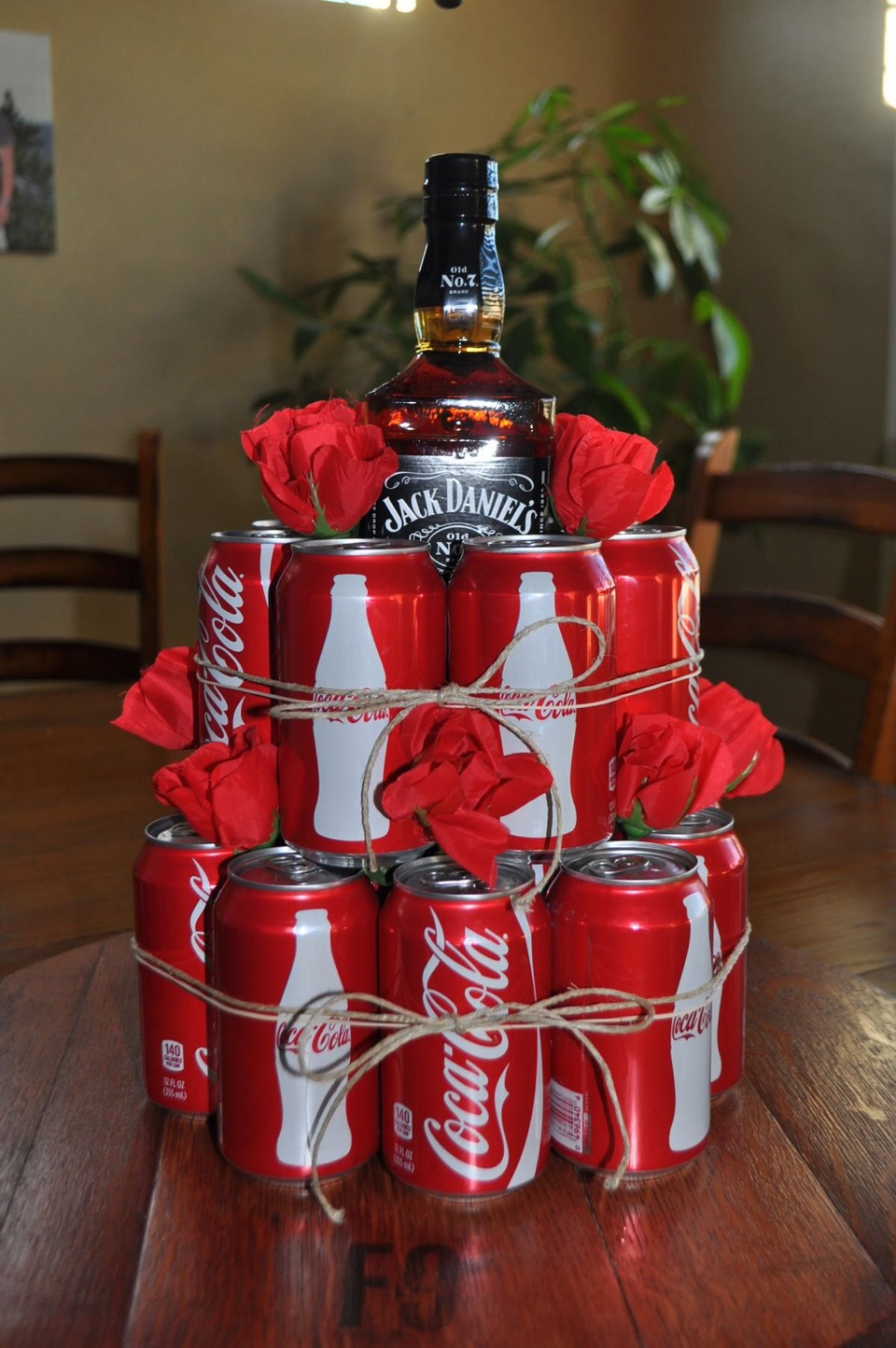 This would make a great gift for the hubby or maybe as a bachelor/bachelorette party idea! 😊👍