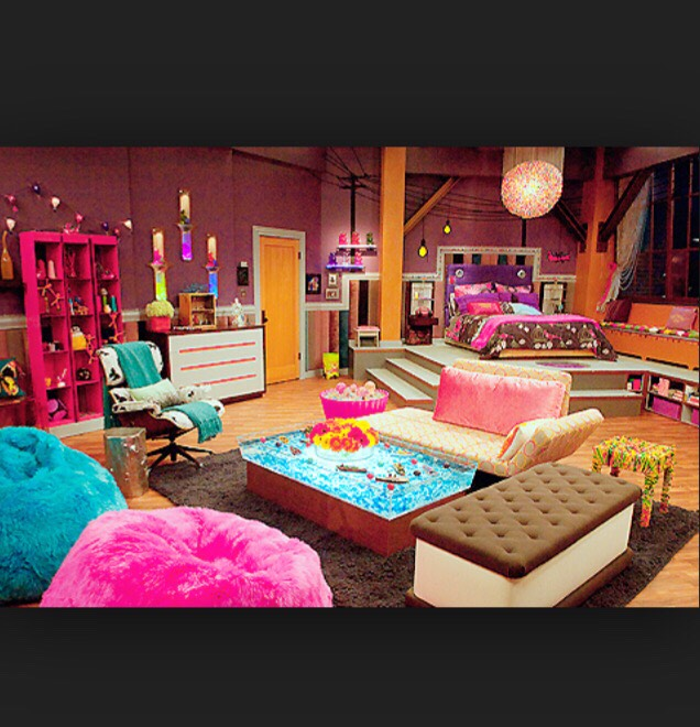 Remembering the Icarly bedroom!