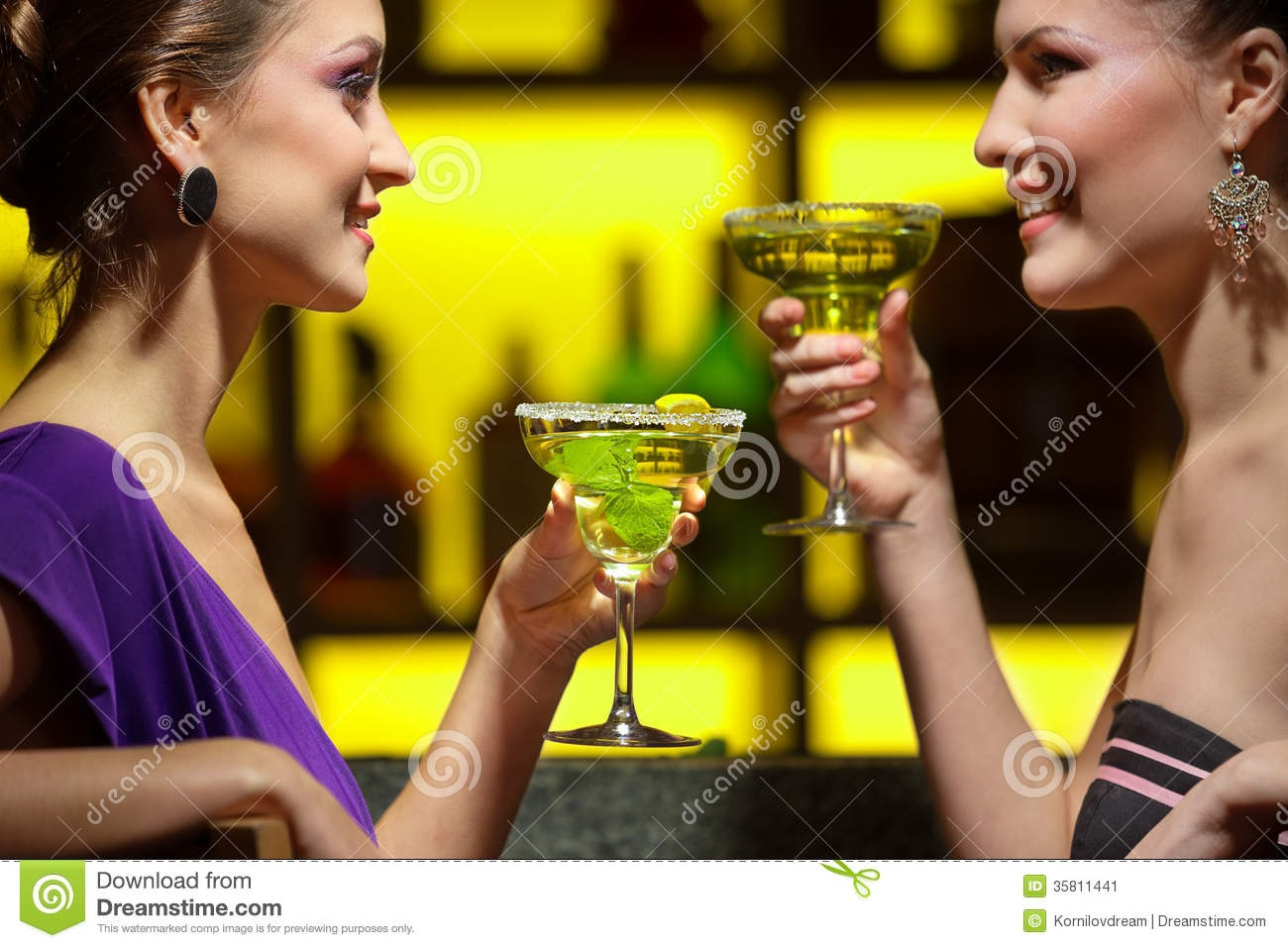 2. Timing is everything. If you're having casual drinks or dinner with your friends before a big night out, wait to put on your lipstick. You won't constantly be worrying about messing it up while you eat (which is the worst)