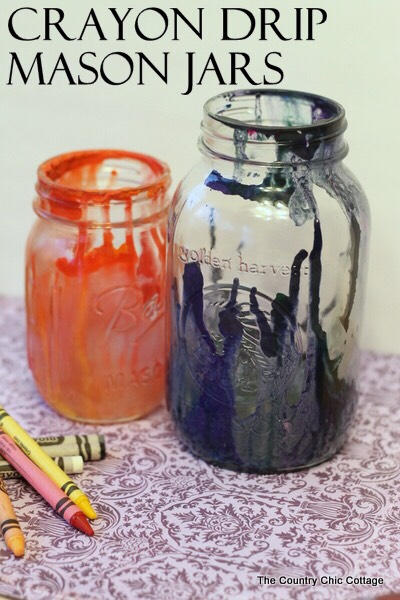 Cute and fun things to do with your kids. Just simple melted crayons in the jar. Can make it bright and cheery to have your kids give it as a homemade gift.