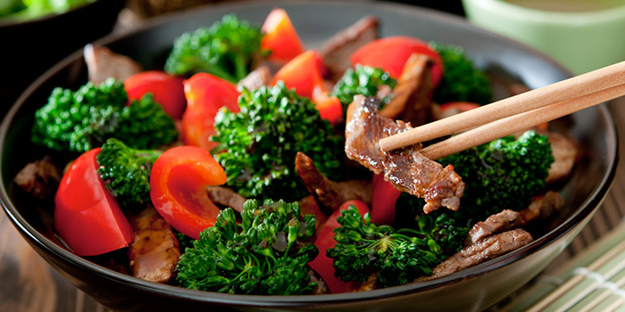This healthy broccoli and beef stri-fry gets vibrant colour and a boast of vitamin c fro the red bell pepper