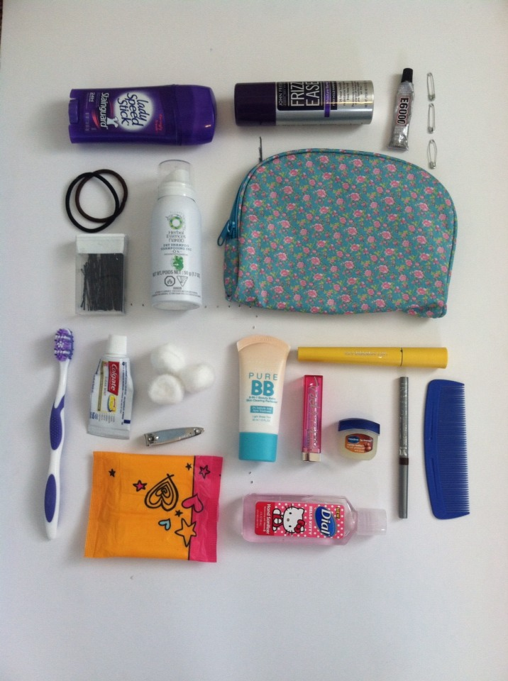 This kit is perfect for any girl and it can fit in any bag.