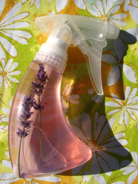 Small squirt bottle 3–5 ounces works fine. 2 cups water 2 Tbsp alcohol-free witch hazel 1 large lemon sliced Handful of fresh lavender sprigs or 1Tbsp dried lavender Small saucepan