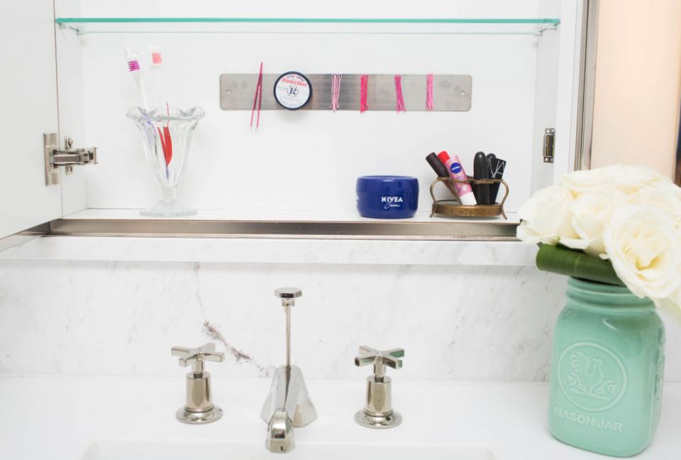 16. Hang a magnetic strip on the inside of your medicine cabinet to keep track of your tweezers, bobby pins, and other small metal items. Never lose your bobby pins again!