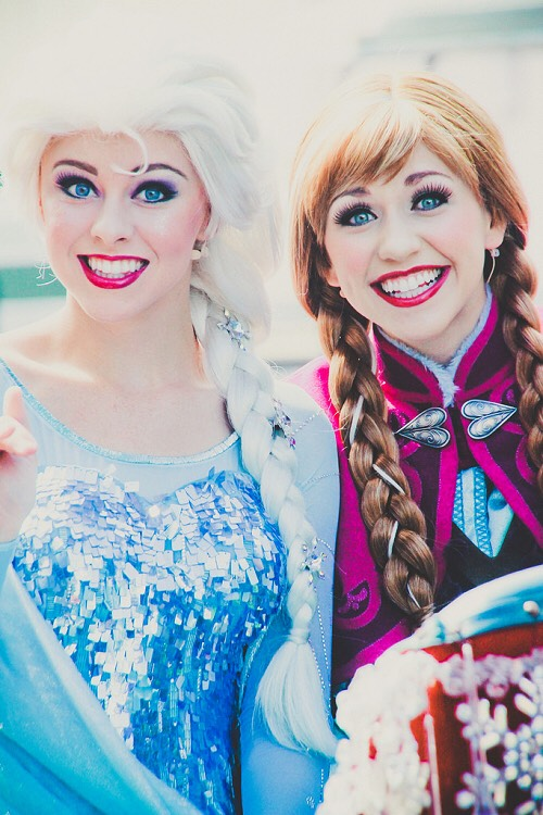 Anna & Elsa Can be found at the Royal Sommerhaus in the Norway Pavillion.