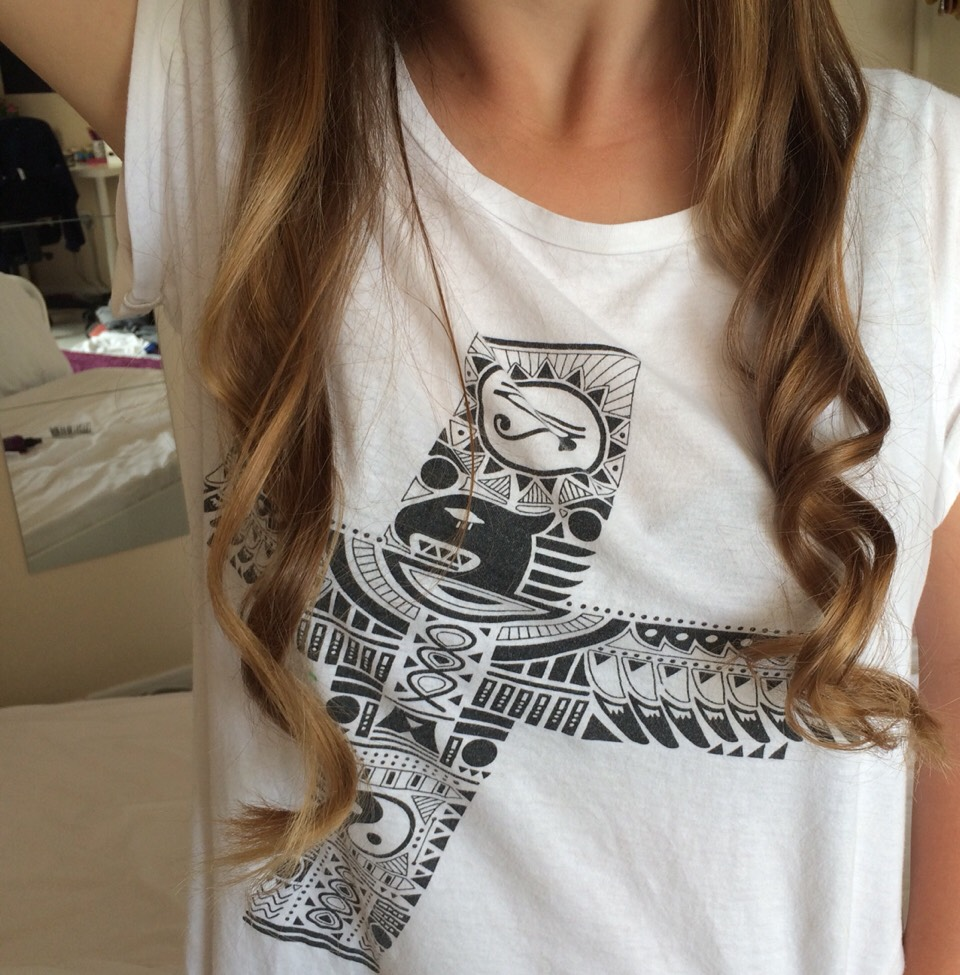 You can decide whether you want tight curls like on the right or looser curls like the left