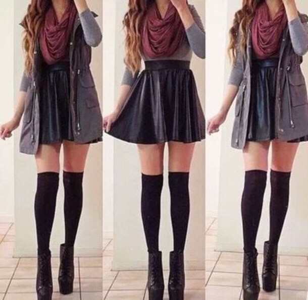 Skater skirts can be matched with almost any shirt, just add some knee high socks or tights and you'll be fine!!! 👏🏽