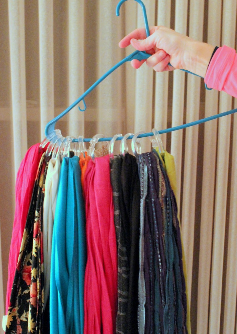 Scarf storage idea! Make sure to like this tip and I will return the favor!👍
