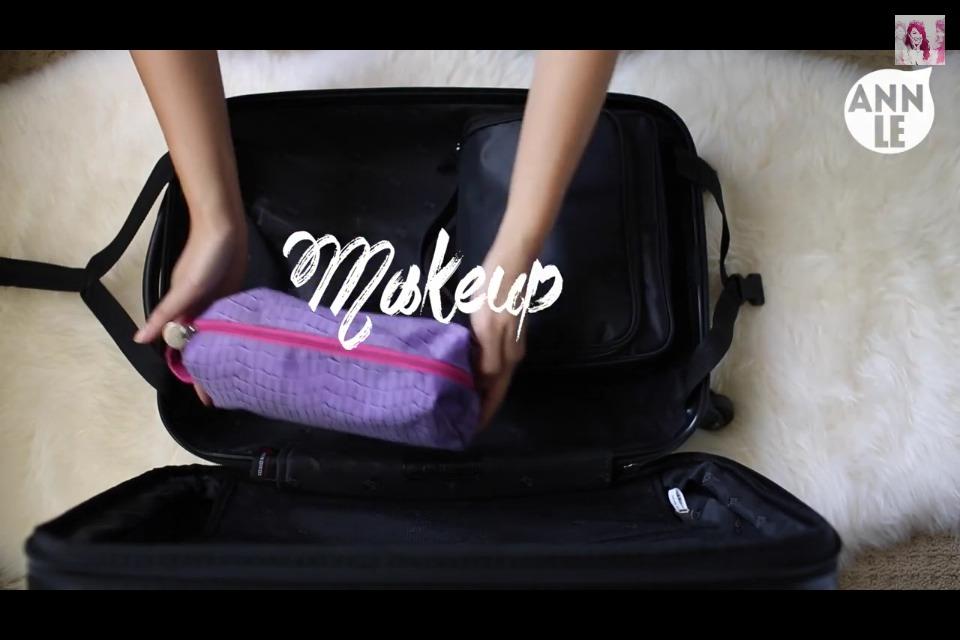 #2 Your summer makeup essentials in a cosmetics bag