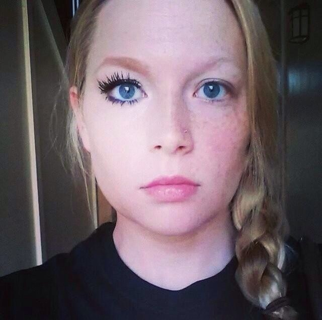 All Younique makeup! And check out those lashes😍