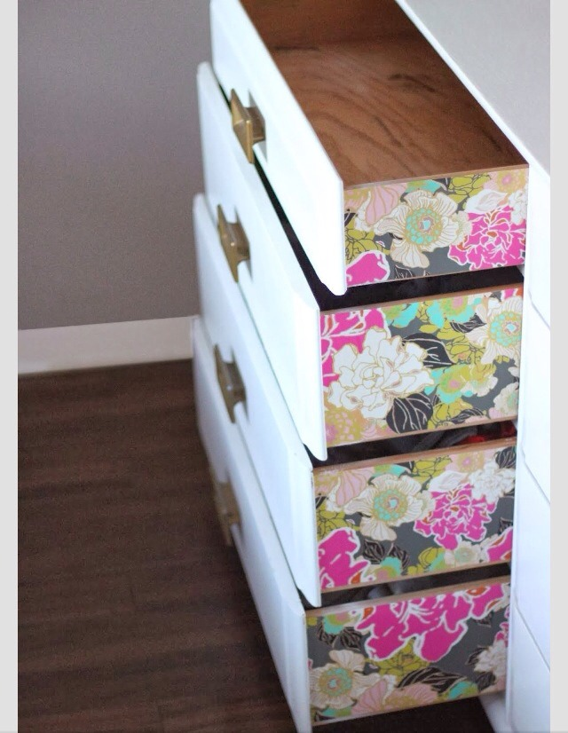 Freshen up the sides of the actual drawers with wallpaper for a pretty and fresh look!❤️