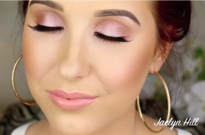 For amazing tips in makeup follow Jaclyn Hîll on YouTube she's an amazing makeup artist 😍