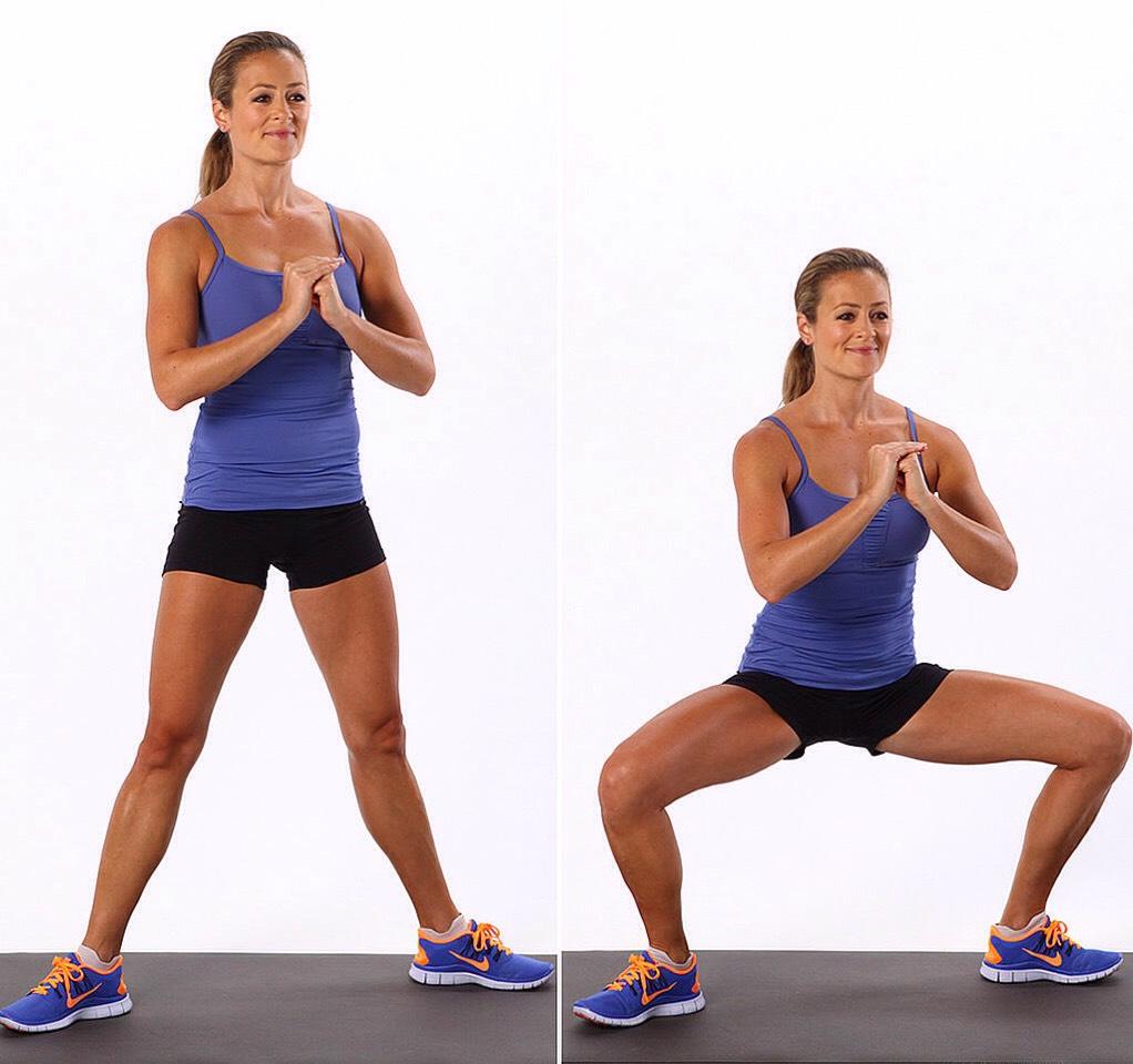 30 plié squats