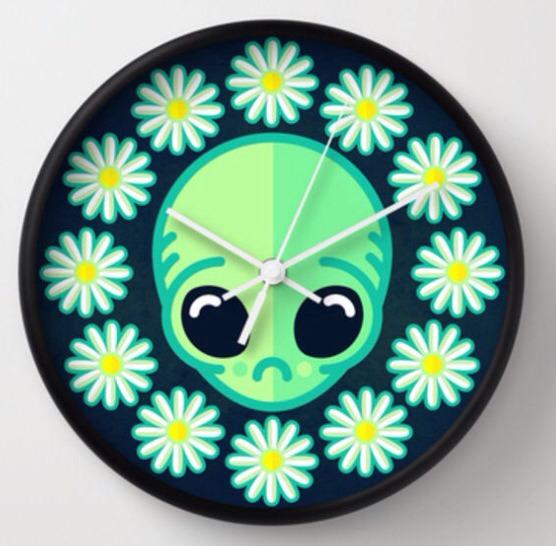 30.00 - Grundy Alien Clock