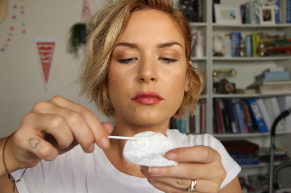 step 4 - roll a cotton bud in the talc