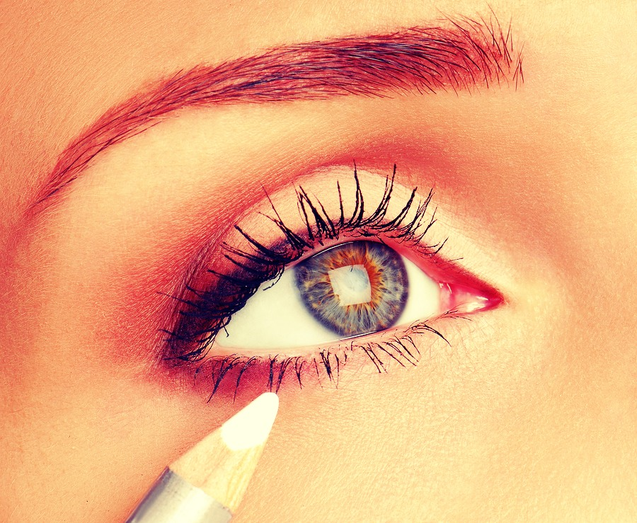Add white eyeliner to have a wide eye look, don't add to much though.