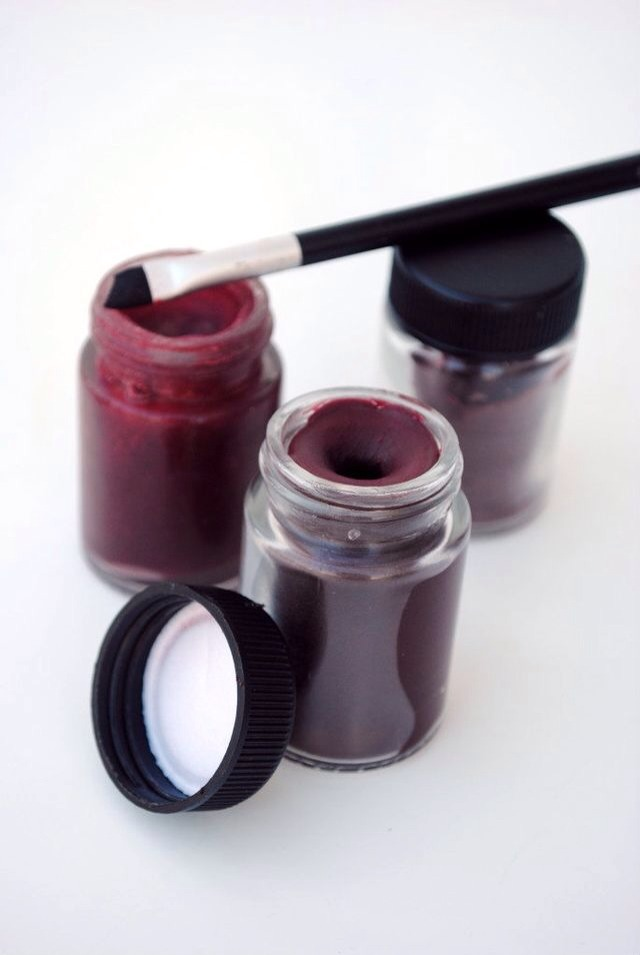 Diy lipstick that stays! All you need is crayons, coconut oil, water, a pan, small glass/porcelain bowl, and a container for the finished product (plastic works best).