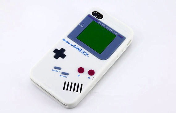 2. This phone case is the old fashioned game boy. It's golden nerdy!