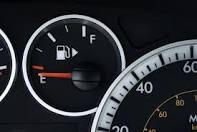 There is an arrow on the side of your gas tank symbol to show you which side of your car the pump is on. Saves you the trip of swinging to another pump!