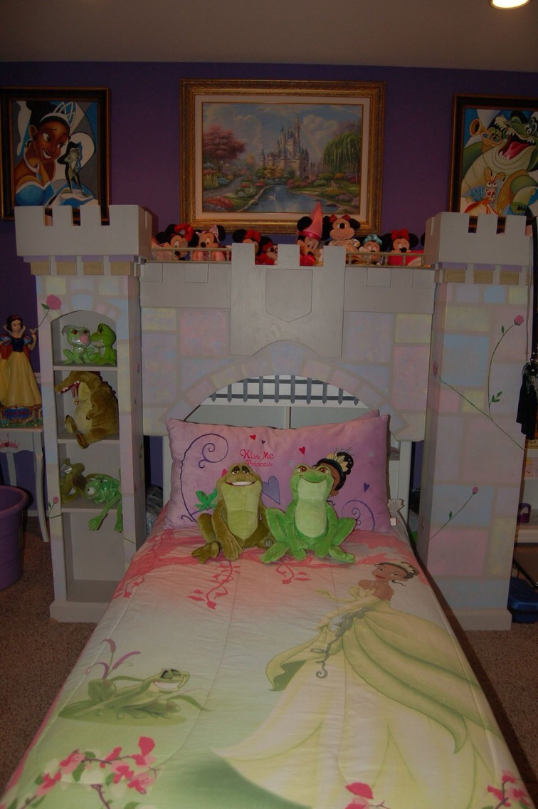 DIY Princess Themed Bedroom: Princess This Room Is Perfect ...