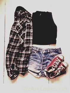 Flannels on everything is always a good outfit. They always look good on shorts, leggings, jeans and even skirts