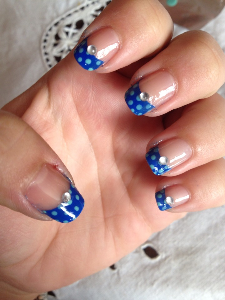 This is the finished nails with topcoat. Hope u like them