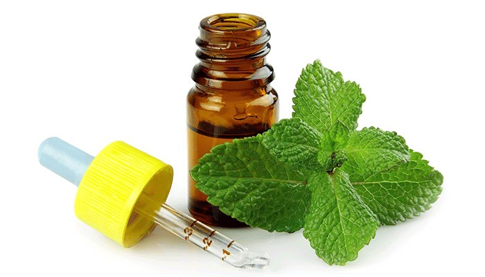 1. Mix a little peppermint oil into your lip gloss to give your lips a plumping boost.
