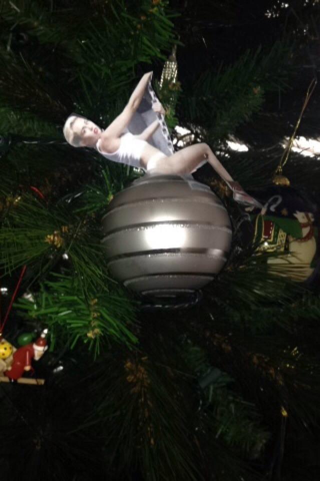Miley Cyrus Wrecking Ball Christmas Ornament.Diy Miley Cyrus Wrecking Ball Ornament By Paige Borders