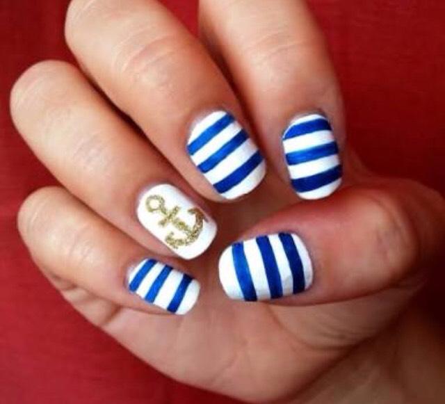 Beach ready nails 🌴😎