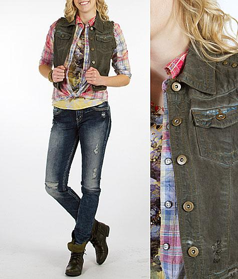 http://www.buckle.com/womens/style/outfits/its-a-wash