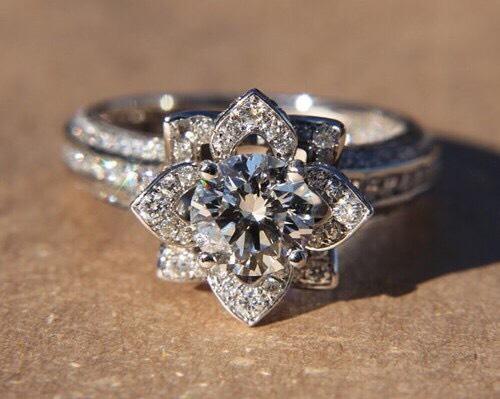 18K White Gold Flower Rose Diamond Engagement Ring 😍 $4,900.00