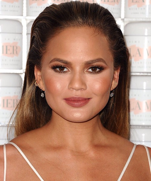 """Tobiagrees, saying that """"Bronze +gold highlighters look fantastic on tanned, olive skin types."""