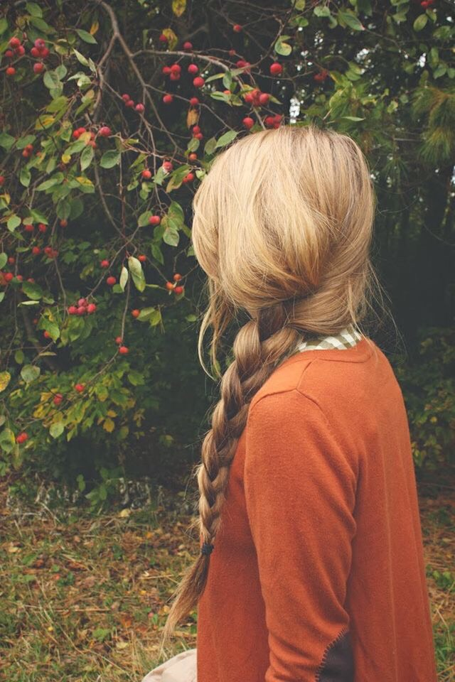 Loose side braid. Classic 3 strands.🍒